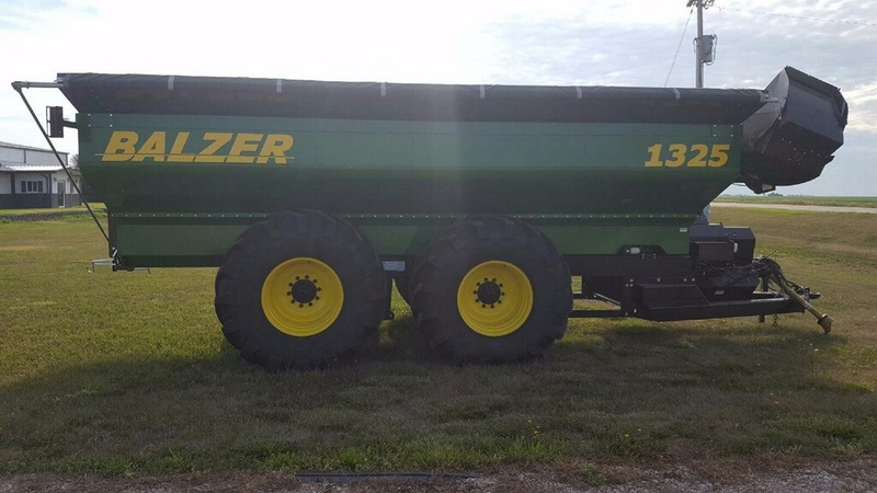 2012 Balzer 1325 Auger Wagon Grain Cart - Vehicle Selling Solutions