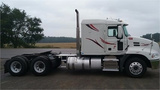 2014 Mack Pinnacle CXU613 Mack  MP8