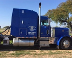 2004 Peterbilt 379EXHD Semi Sleeper Conventionalr