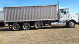 2001 Kenworth Tri-Axle 22ft Rieghton Box