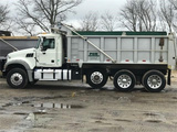 2015 Mack Granite GU713 Mack Mack MP8