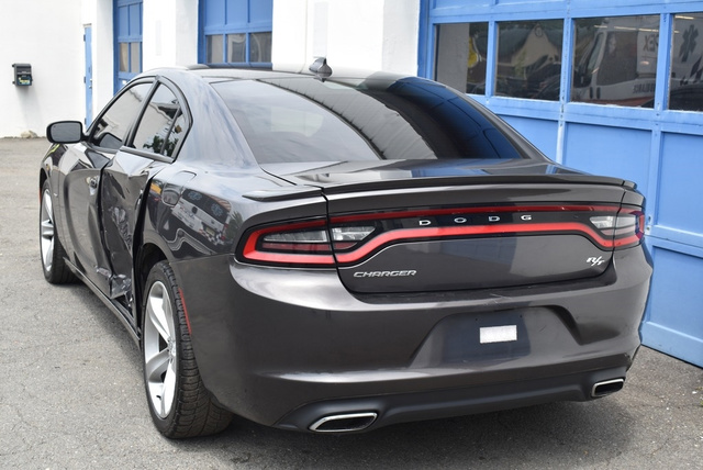 2016 Dodge Charger R/T full