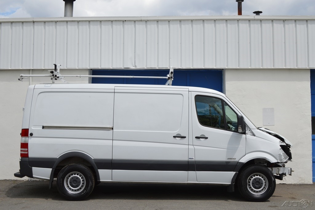 2015 mercedes benz sprinter 2500 cargo van shelving for Mercedes benz sprinter cargo van