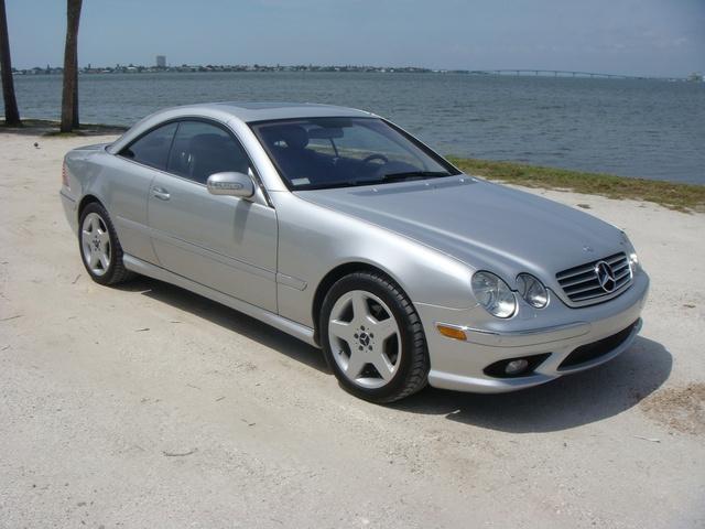 The 2003 Mercedes-Benz CL-Class CL500 photos