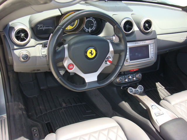 2011 Ferrari California photo