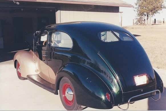 1939 Ford Tudor Deluxe  photo