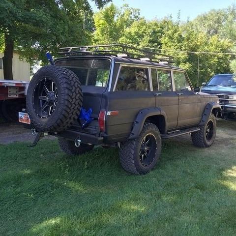 1986 Jeep Grand Wagoneer photo