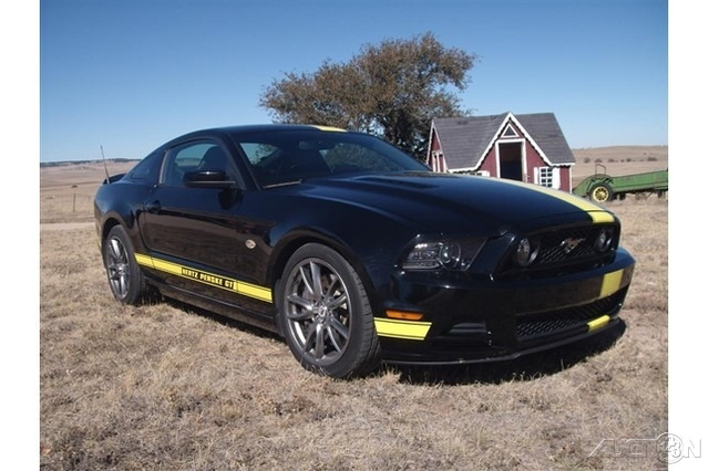 The 2014 Ford Mustang GT photos