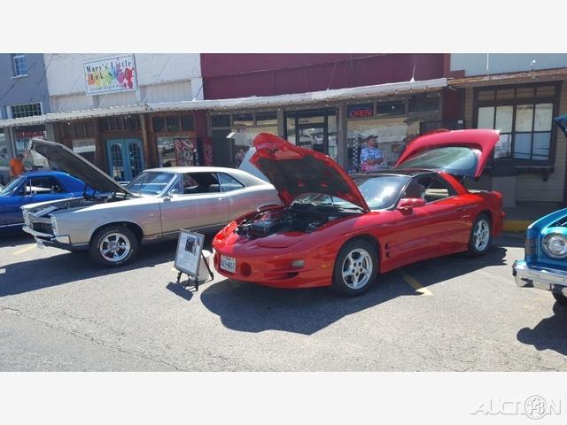 The 1998 Pontiac Firebird Trans Am photos