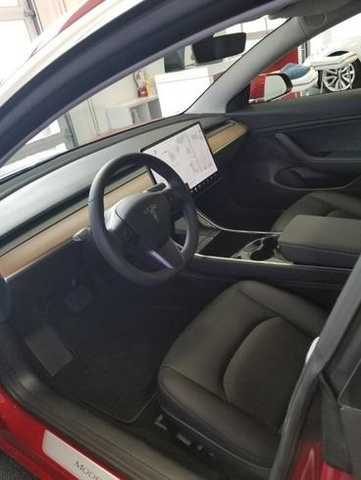 2018 Tesla Model 3 Long Range photo