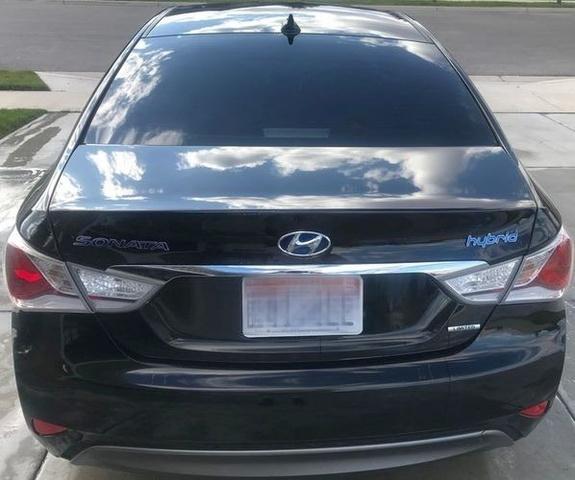 2013 Hyundai Sonata Hybrid photo