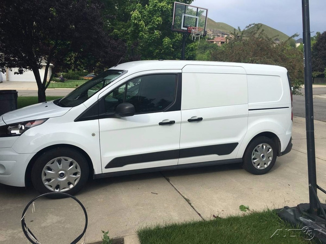 The 2015 Ford Transit Connect XLT photos