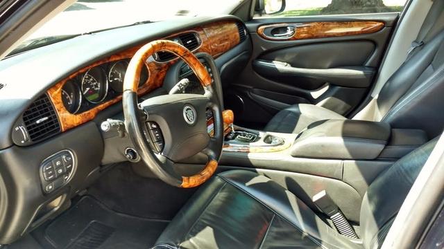 2008 Jaguar XJ-Series XJ8 L photo