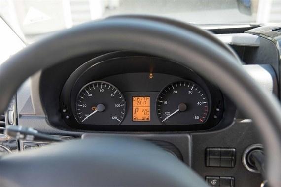 2014 Mercedes-Benz Sprinter 2500 170 WB photo