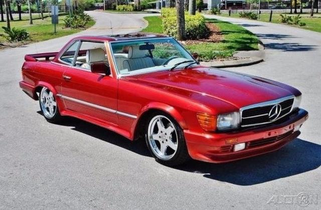 The 1984 Mercedes-Benz 500SL  photos