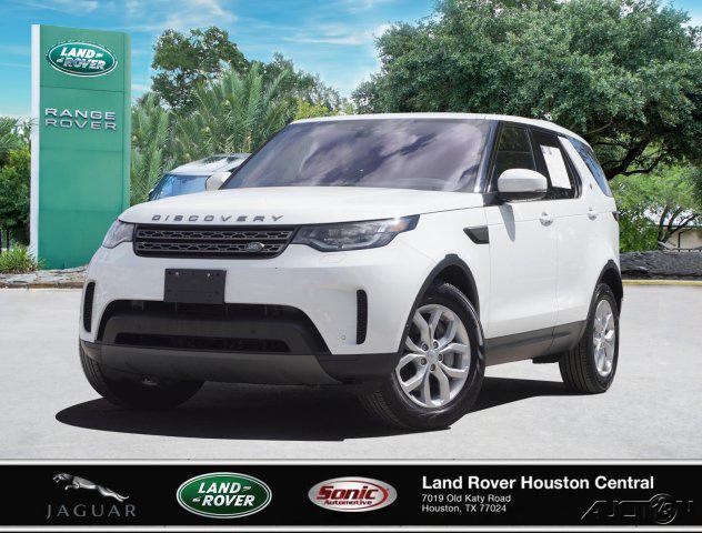 The 2019 Land Rover Discovery SE photos