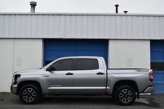 2018 Toyota Tundra SR5 TRD OFF ROAD  5.7L V8 full