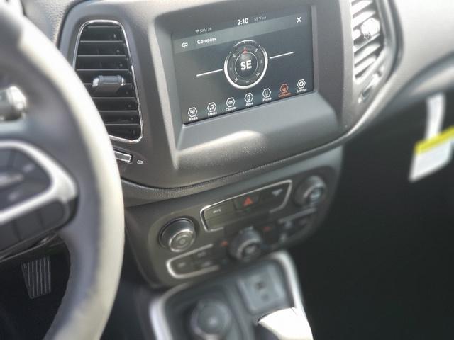 2019 Jeep Compass Latitude photo