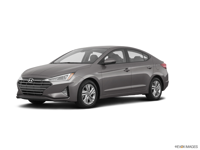 The 2020 Hyundai Elantra SEL photos