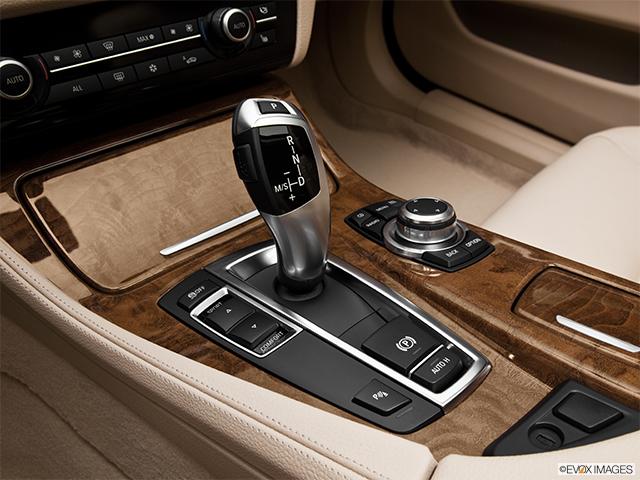 2012 BMW 5 Series 4dr Car