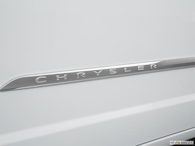 2016 Chrysler Town and Country Mini-van, Passenger