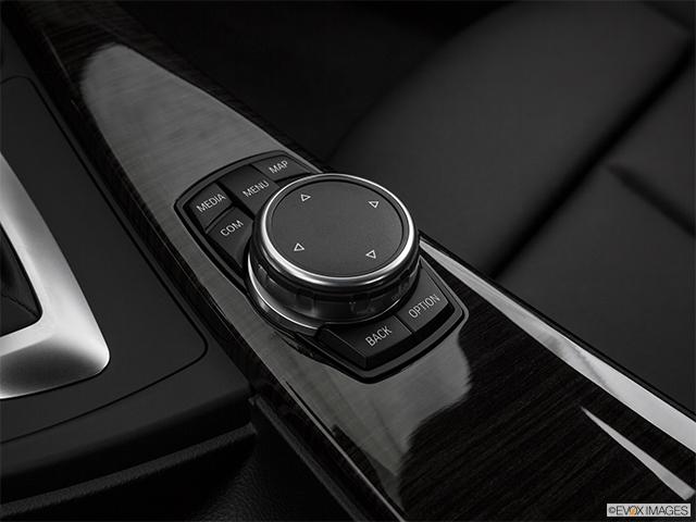 2017 BMW 3 Series 4dr Car