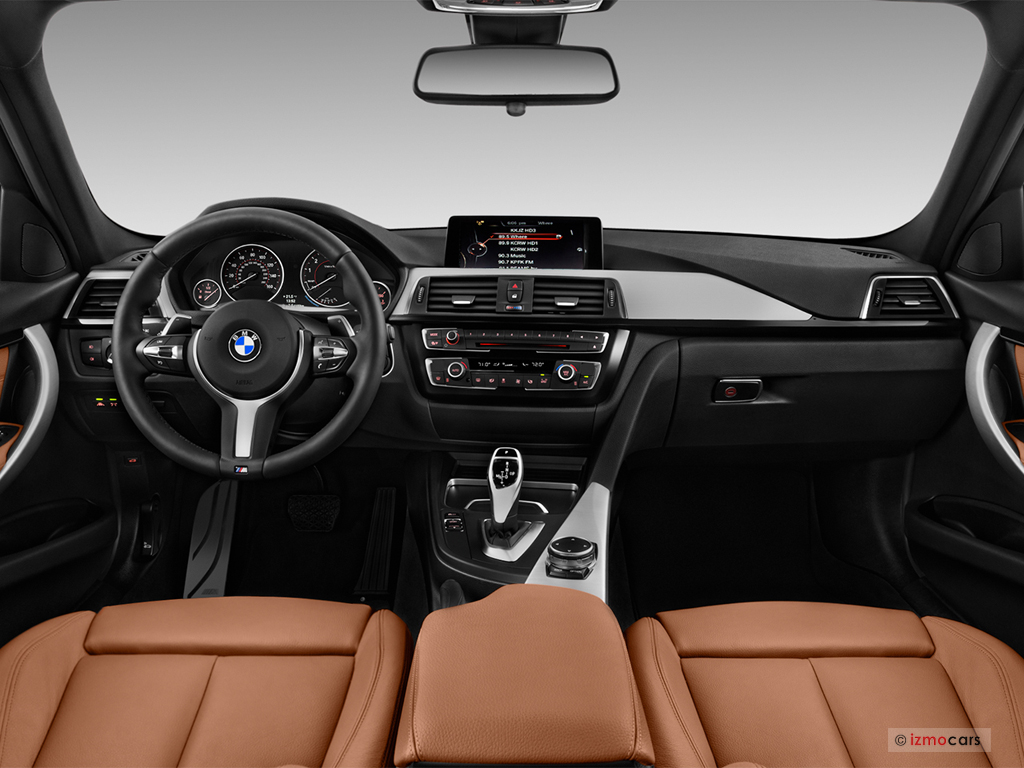 The 2019 BMW 3-Series 330XI