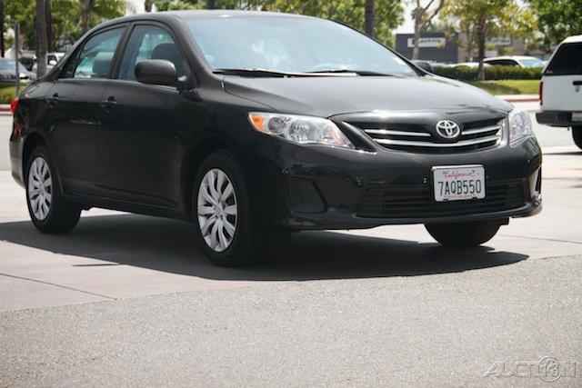 The 2013 Toyota Corolla L photos