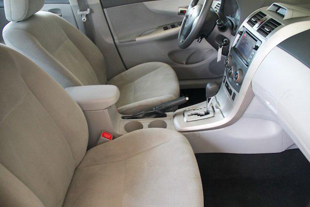 2013 Toyota Corolla L photo