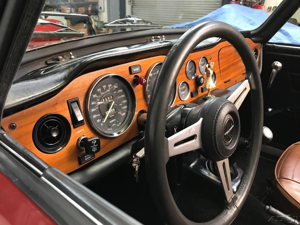1974 Triumph TR-6 Roadster: 1974 TRIUMPH TR-6 CONVERTIBLE. 96,994 MILES. EXCELLENT RUNNING, DRIVING CAR.