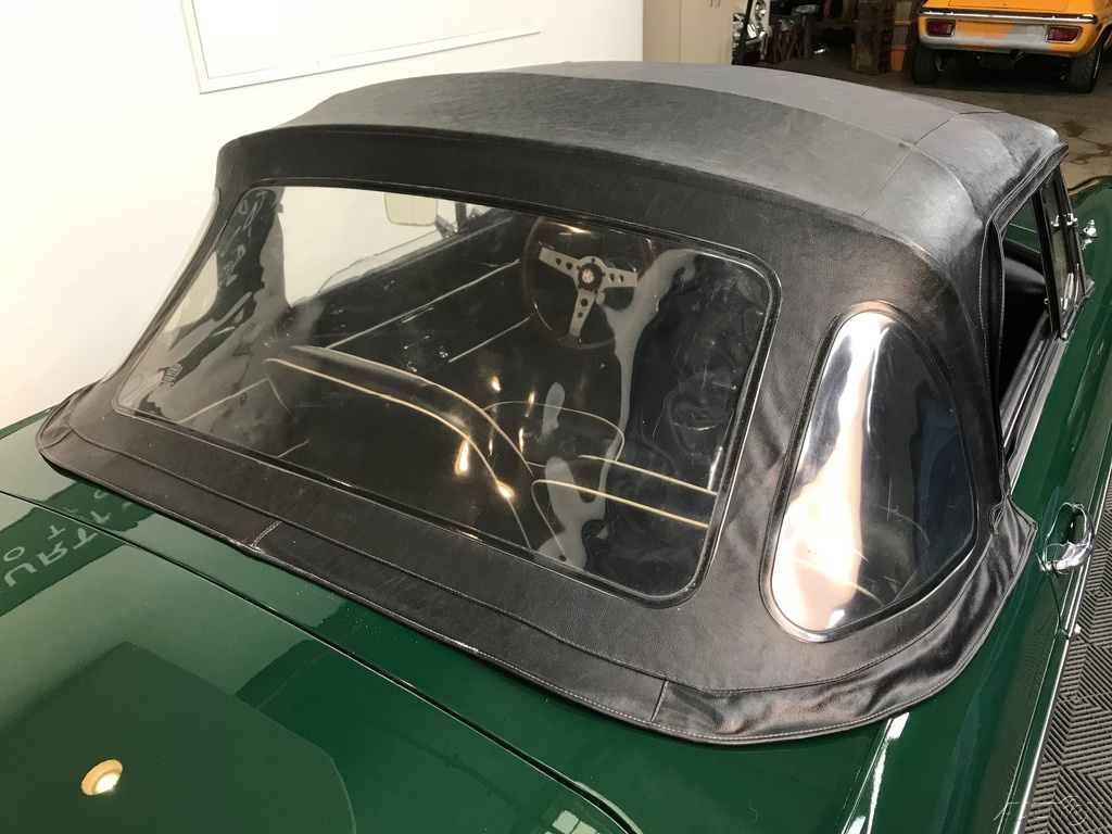 1968 MG MGB 4-SPEED, WIRE WHEELS: 1968 MGB ROADSTER. BRG / BLACK. 4-SPEED, WIRE WHEELS. EXCELLENT RESTORED DRIVER.