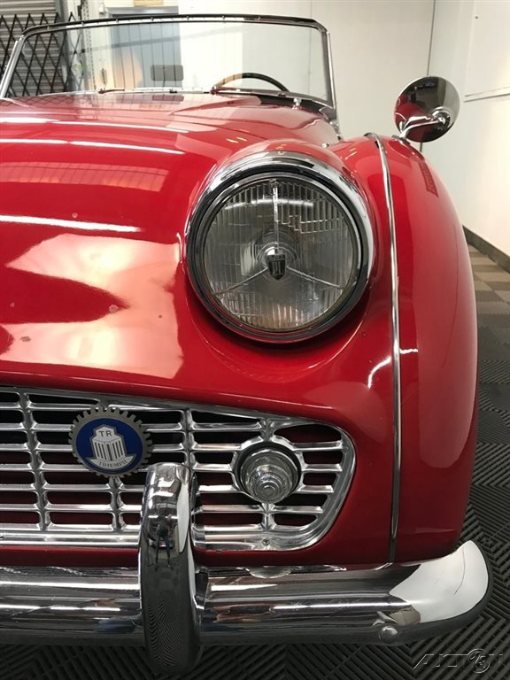 1960 Triumph TR3 60-SPOKE CHROME WIRE WHEELS. 4-SPEED, FULL-SYNCROMESH: 1960 TRIUMPH TR3A SPORTS ROADSTER. UPGRADED 2.2 LITER ENGINE. NICE DRIVING CAR.