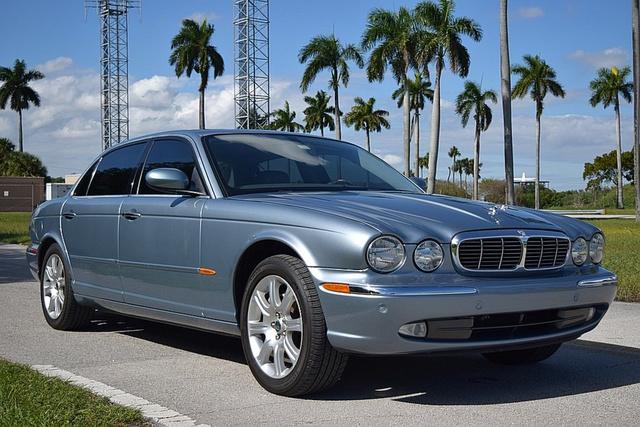 2005 Jaguar XJ-Series XJ8 photo